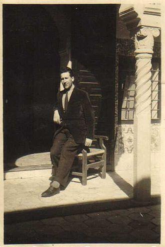 330px-Maurice_Boitel_%C3%A0_la_villa_Abd-el-Tif_en_1946