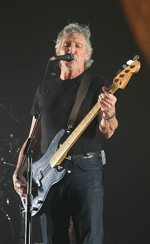 310px-Roger_Waters_18_May_2008_London_O2_Arena