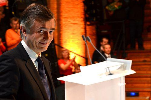 500px-Douste_Blazy_Meeting_Bayrou_Toulouse