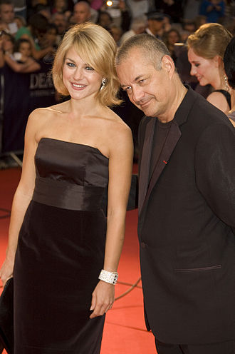 330px-Emilie_Dequenne_and_Jean-Pierre_Jeunet_at_the_2009_Deauville_American_Film_Festival-01