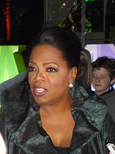 370px-Oprah_Winfrey_at_2011_TCA