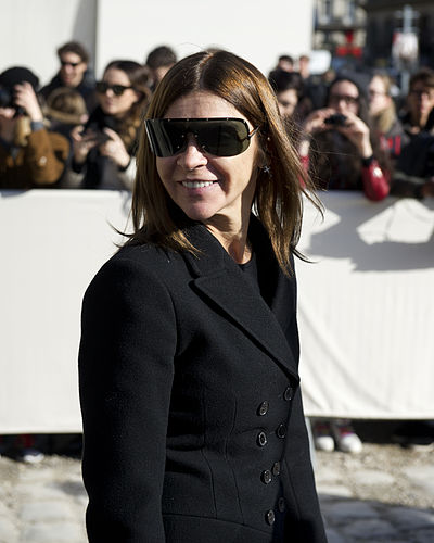 400px-Carine_Roitfeld_-_Louis_Vuitton_autumn-winter_2014_fashion_show
