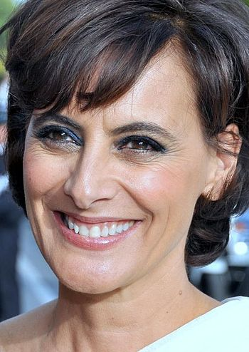 350px-Ines_de_la_Fressange_Cannes_2012