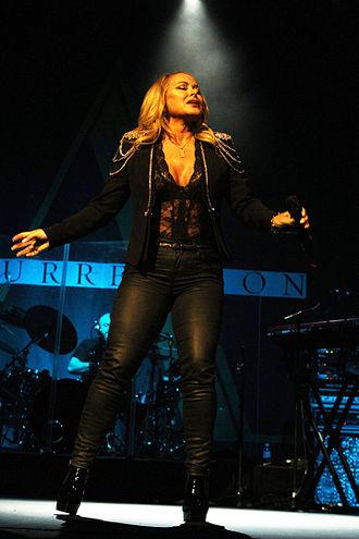 330px-Anastacia_Resurrection_Tour_%2817309309372%29
