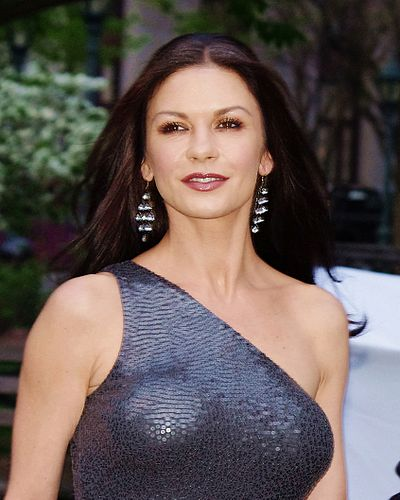 400px-Catherine_Zeta-Jones_VF_2012_Shankbone_2