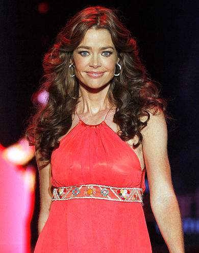 390px-Denise_Richards_2011