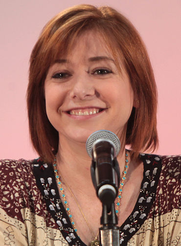 370px-Alyson_Hannigan_May_2015