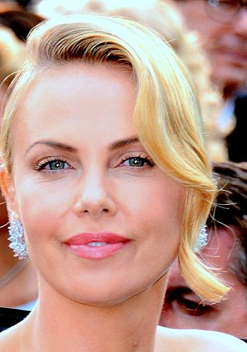 350px-Charlize_Theron_Cannes_2015_5