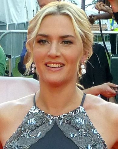 390px-Kate_Winslet_at_The_Dressmaker_event_TIFF_%28headshot%29