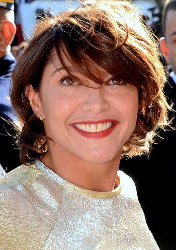 350px-Emma_de_Caunes_Cannes_2015