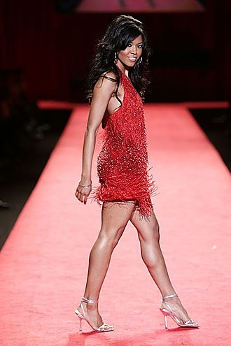 330px-Amerie%2C_Red_Dress_Collection_2006