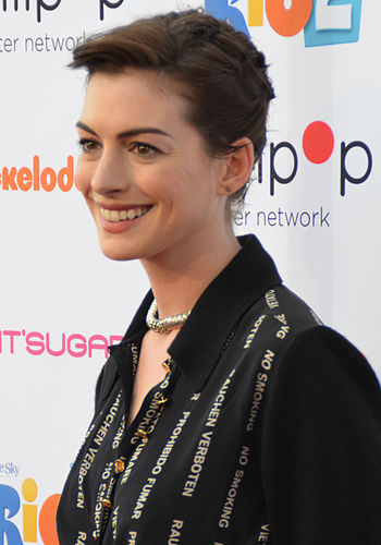 350px-Anne_Hathaway_2014_%28cropped%29