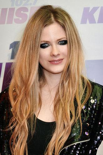 330px-Avril_Lavigne_2013