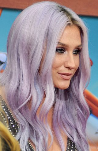320px-Kesha_Planes_Fire_%26_Rescue_premiere_July_2014_%28cropped%29