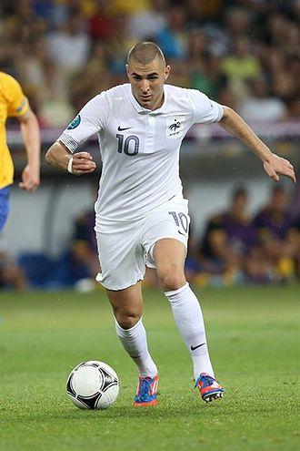 330px-Karim_Benzema_Euro_2012_vs_Sweden_01