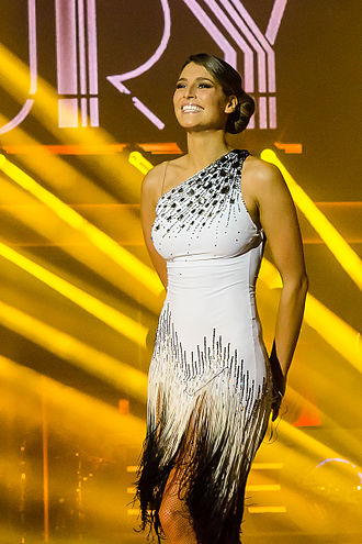 330px-Laury_Thilleman_during_Dance_avec_les_stars_Tourn%C3%A9e_in_Lyon_-_20140201-Lyon-_RMJ3851